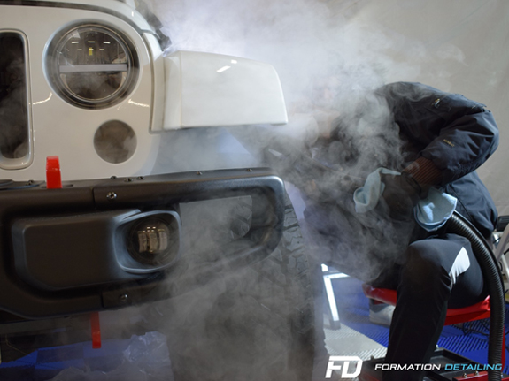 1-paris-78-yvelines-atelier-detailing-lavage-formation-apprentissage-jeep-4X4-voiture-luxe-nettoyage-entretien-rayure-polish-indiancars