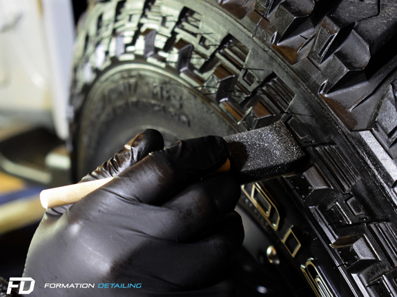 3-paris-78-yvelines-atelier-detailing-lavage-formation-apprentissage-jeep-4X4-voiture-luxe-nettoyage-entretien-rayure-polish-indiancars