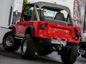 Jeep CJ7    - 4